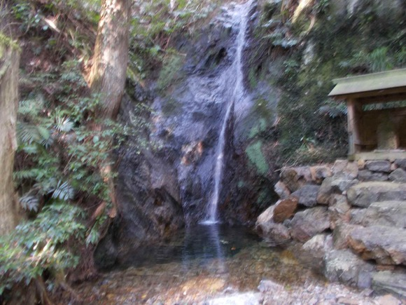 「一の滝」もまるでサーメン滝みたいになっています