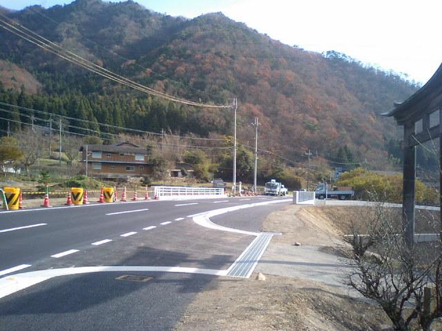 新六ノ坪橋を春日神社前より