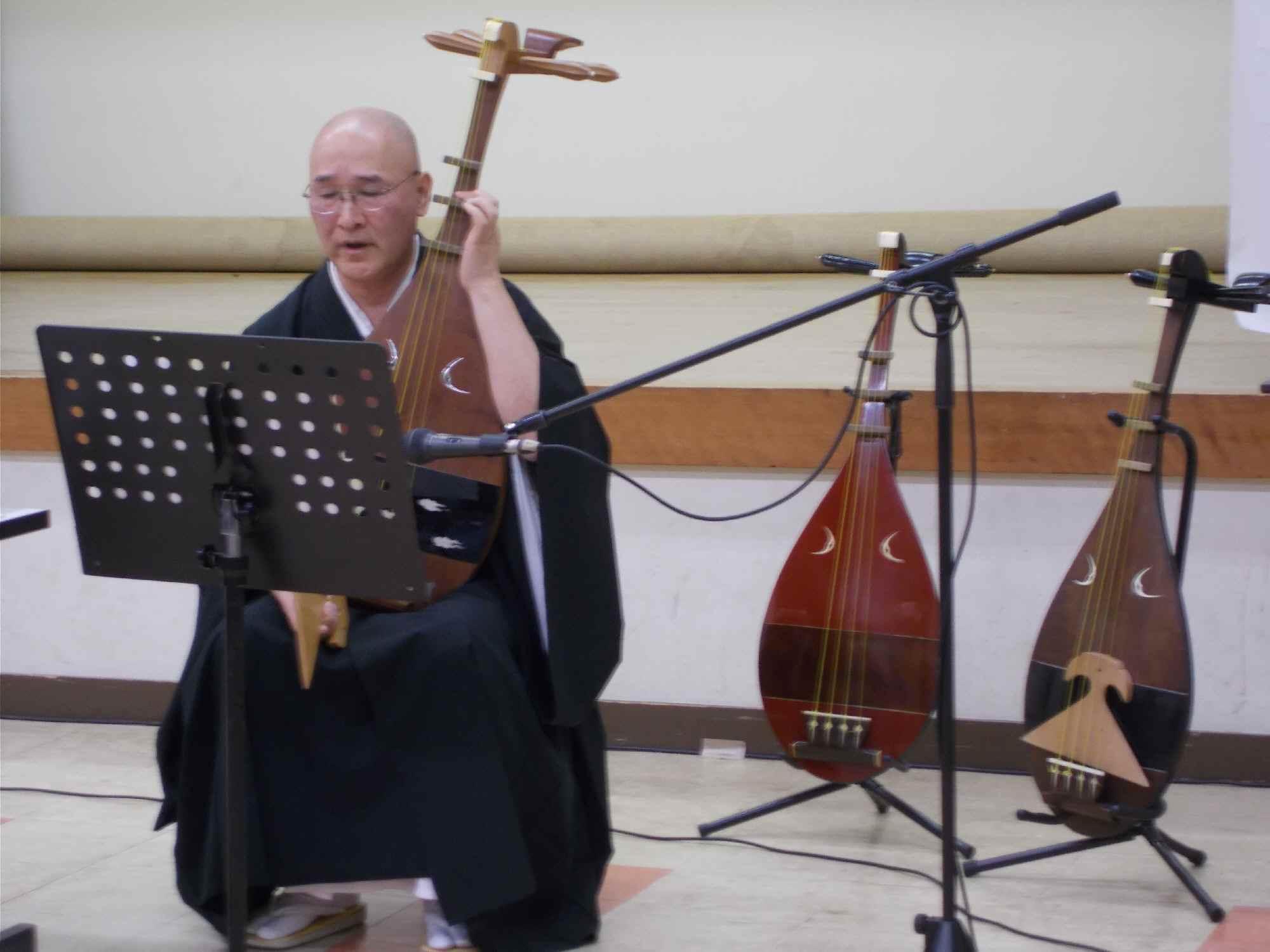 琵琶の演奏(琵琶は3棹持参されていた)