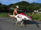 無線操縦ヘリコプターによる薬剤散布